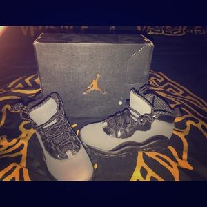 Boys air Jordan shoes size 12